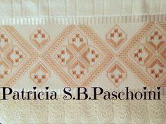 Para começar a semana... #toalhaderosto #feitoamao #embroidery #pontoreto