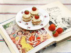 ACHICA Living | Ideas & inspiration for your home, garden & lifestyle » Happy Jubilee weekend! Try Hope & Greenwood's Hazelnut Tarts with Strawberries recipe
