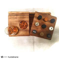 @hurdahane nin kurucusu dostlarım Ertuğ ve Seda müthiş işler çıkarıyor Altında puro koymak için özel bölümü olan şu viski setinin güzelliğine bakar mısınız? #Repost @hurdahane with @repostapp Viski keyif tablası.. #HurdaHane #viski #whisky