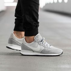 reputable site 3f183 294b6 Nike Internationalist LX (Wolf Grey   Off White - Pure Platinum - White)