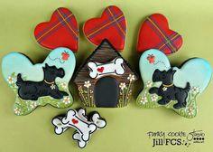 Would be so cute for an Outlander viewing party, no? Cat Cookies, Fancy Cookies, Valentine Cookies, Royal Icing Cookies, Cupcake Cookies, Sugar Cookies, Cookies Et Biscuits, Cupcakes, Birthday Cookies
