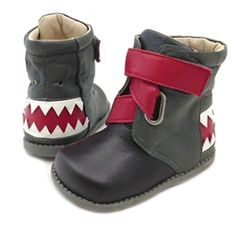 I just LOVE LOVE LOVE these Livie and Luca boots!
