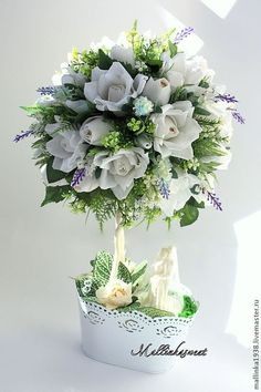 .. Silk Flowers, Paper Flowers, Diy Centerpieces, Floral Wreath, Tulle, Bouquet, Wreaths, Handmade, Crafts