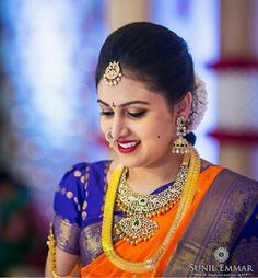 Stunning diamond necklaces are one fashion accessory that can be worn with virtually any outfit. Depending on the size and the style of the necklace it can dress up a casual outfit Gold Earrings Designs, Gold Jewellery Design, Jewellery Photo, Designer Jewelry, Designer Wear, Half Saree Designs, Bridal Blouse Designs, Hindu Bride, Marathi Bride