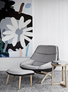 Mim Design have created a pavilion style coastal hideout with a casual,tactile and refined modern beach house aesthetic in Portsea, Victoria. Coastal Living Rooms, Home Living, Interior Styling, Interior Decorating, Modern Furniture, Furniture Design, Modern Chairs, Japanese Furniture, Mim Design