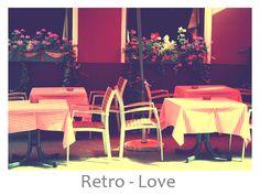 I like the tableclothes! Outdoor Furniture Sets, Outdoor Decor, Cafe Design, Chair, Retro, Home Decor, Cafeteria Design, Decoration Home, Room Decor