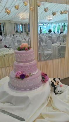Wedding Cake at Clonabreany House