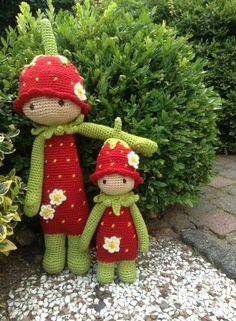 Crochet strawberry dolls ~ Pinned by facebook.com/MysticsHallow Bath & Body. Custom orders welcome.