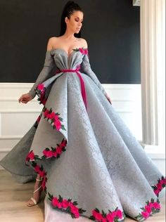Prepare the prom dresse 2015 for the upcoming prom? Then you need to see silver lace sexy 2019 arabic evening dresses long sleeves high split prom dresses vinta Split Prom Dresses, Prom Dresses 2015, Long Party Dresses, Wedding Dresses, Bridesmaid Dresses, Evening Dresses For Weddings, Pretty Dresses, Beautiful Dresses, Beautiful Clothes