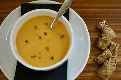 Σούπα με γλυκοπατάτα, καρότο, τζίντζερ και θυμάρι | Άρθρα | Bostanistas.gr : Ιστορίες για να τρεφόμαστε διαφορετικά