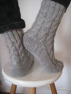 Knitting Patterns Wear Free pattern on Ravelry – These socks are rustic, warm, thick socks. They do not have a close fit, b… Knitting Stitches, Knitting Socks, Knitting Patterns Free, Hand Knitting, Cable Knit Socks, Crochet Patterns, Crochet Socks, Knit Or Crochet, Knitted Socks Free Pattern