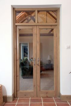 Image from http://www.mcfurniture.co.uk/gallery/joinery/large/joinery1.jpg.