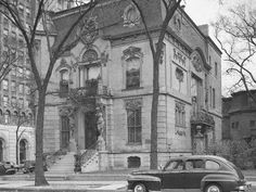 Wrightwood Belle epoque mansion then Swedish engineer club parked Chicago C, Chicago House, Chicago River, Chicago Photos, Chicago School, Chicago Events, Chicago Area, Chicago Style, Chicago Illinois