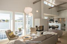 6 Särkänherra - Olohuone Kalajoen Loma-asuntomessut Ceiling Lights, Living Room, Interior Design, Lighting, Future, Home Decor, Nest Design, Future Tense, Decoration Home