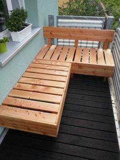 a Douglas Fir Wood Lounge! So your balcony / terrace becomes a Instructions for a Douglas Fir Wood Lounge! So your balcony / terrace becomes aInstructions for a Douglas Fir Wood Lounge! So your balcony / terrace becomes a Narrow Balcony, Small Balcony Design, Small Balcony Decor, Outdoor Balcony, Balcony Railing, Small Patio, Outdoor Decor, Balcony Door, Small Balcony Furniture