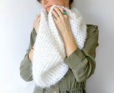 Powdered Sugar Crochet Infinity Scarf Pattern via @MamaInAStitch - buttercream angel hair yarn
