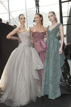 Rosie Huntington-Whiteley, Elle, Macpherson & Jessica Stam Backstage @ Louis Vuitton Fall 2010