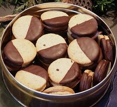 Nougattaler, a refined recipe from the category biscuits . Bewer… Nougattaler, a refined recipe from the category biscuits & cookies. Ratings: Average: Ø - Biscuit Cookies, Cake Cookies, Easy Cookie Recipes, Baking Recipes, Biscuits, Sweets Cake, Christmas Baking, Christmas Recipes, Christmas Cookies