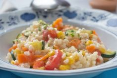 Das Rezept darf jeden Tag a… A healthy alternative with a great vegetable risotto. The recipe is allowed on the table every day! Risotto Recipes, Healthy Alternatives, Eating Habits, Fried Rice, Vegetarian Recipes, Tofu, Food And Drink, Nutrition, Lunch