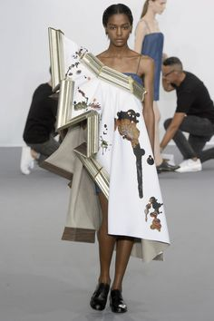 Viktor & Rolf Haute Couture Fall 2015/2016. See all the best looks from Paris.