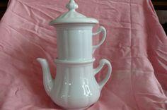 Antike Karlsbader Porzellan Kaffeemaschine Weis 0,38 L    eBay Kettle, Tea Pots, Kitchen Appliances, Tableware, Ebay, Coffee Making Machine, Antiquities, Diy Kitchen Appliances, Tea Pot
