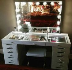 64 Super Ideas for makeup storage ikea alex beauty room Makeup Table Vanity, Vanity Room, Vanity Mirrors, Vanity Ideas, Makeup Vanities, Ikea Vanity Table, Glass Top Vanity, Diy Vanity Mirror With Lights, Makeup Vanity Lighting
