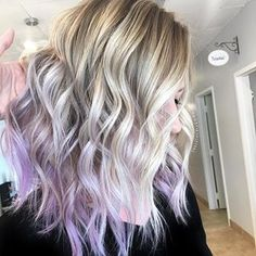 A touch of lilac 🦄 & creamy blonde 🍦 . A touch of lilac 🦄 & creamy blonde 🍦 . A touch of lilac 🦄 & creamy blonde 🍦 Blond Pastel, Purple Blonde Hair, Pastel Purple Hair, Light Purple Hair, Blonde Hair With Highlights, Lilac Hair, Ombre Hair Color, Lavender Hair Tips, Blonde Hair With Purple Highlights