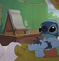 lilo y stitch 2 Lilo Stitch, Disney Stitch Pins, Lilo And Stitch Tattoo, Cute Stitch, Walt Disney, Cute Disney, Wallpaper Iphone Cute, Disney Wallpaper, Disney And Dreamworks