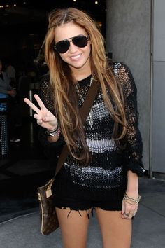 Miley Cyrus with long hair before she went completely insane