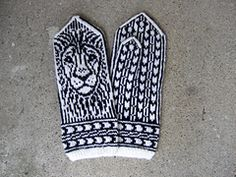 Ravelry: The King of Africa pattern by Natalia Moreva Mittens Pattern, Knitted Gloves, Knitting Socks, Hand Knitting, Africa Tattoos, Inspirational Wallpapers, Winter Warmers, Christmas Knitting, Tricot
