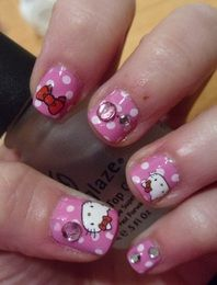 Hello Kitty nails  beautybesties.wordpress.com  #beautyblog #blog #nails #nailart #nailpolish #hellokitty #sanrio