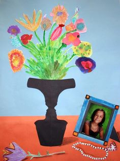 Objectives: Identify symmetry in vase shape ( symmetry, vertical axis, asymmetrical) Design and create a symmetrical mask from a photo of the student Learn about still life paintings through out. 3rd Grade Art Lesson, 6th Grade Art, Elementary Art Rooms, Art Lessons Elementary, Visual Art Lessons, Collages, Montessori Art, Art Fund, Art Classroom