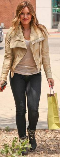 Who made  Hillary Duff's tan leather jacket, jewelry, and black studded boots