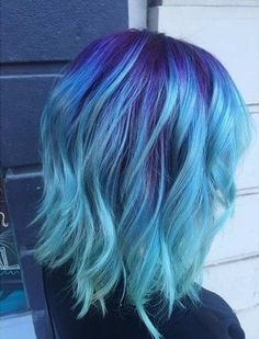 25 Amazing Blue and Purple Hair Looks What better way to give yourself a brand new hair look than by changing the color entirely. These 25 amazing blue and purple hair looks are perfect! Hair Dye Colors, Hair Color Blue, Cool Hair Color, Amazing Hair Color, Magenta Hair Colors, Blue Purple Hair, Ombre Colour, Dyed Hair Blue, Aqua Hair