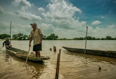 #riverlife #photojournalism #photojournal #socialdocumentary #sociallandscape #documentalphotography #documenting #fisherman #caribbean #latinoamerica #visualstorytelling #villamilvisuals #situation #humanity by villamilvisuals