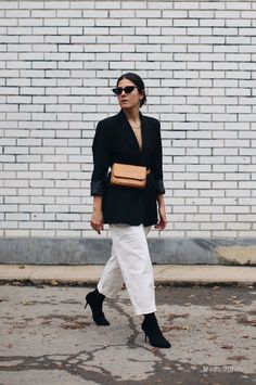 23 Outfit Ideas to Look Even More Stylish in 2018 Read the full article on Who What Wear Casual Chic Outfits, Cool Outfits, Womens Fashion Online, Latest Fashion For Women, Latest Fashion Dresses, Fashion Trends, Fashion Tips, Trendy Swimwear, Who What Wear