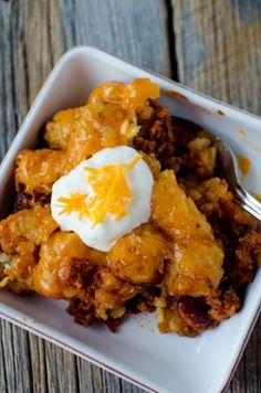 Super easy to make Crock Pot Tater Tot Sloppy Joes Casserole Recipe. Made with ground beef the entire family will love this slow cooker recipe. The crockpot does all the work and you have a great family meal!