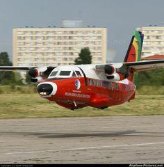 Let L-410 Space Museum, Civil Aviation, Jet Plane, Machine Design, Paint Schemes, Aircraft Carrier, Military Aircraft, Stunts, Fighter Jets