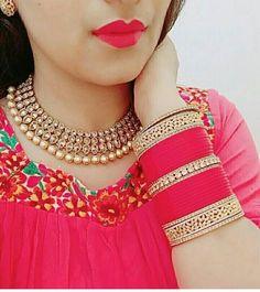 Wedding Chura, Indian Wedding Bride, India Wedding, Wedding Wear, Indian Bridal, Wedding Bells, Bridal Bangles, Bridal Jewelry, Bridal Chuda