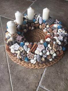 Adventi koszorú-arany-kék-fehér Advent wreath-gold-blue-white Wreath Boxes, Advent Wreath, Centerpieces, Blue And White, Easter, Wreaths, Christmas, Decoration, Xmas