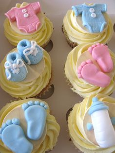 Baby cloths and shoes cupcakes baby shower cupcakes, shower cakes, baby cupcake, baby Baby Cupcake, Baby Shower Cupcakes For Boy, Baby Shower Cookies, Baby Boy Shower, Baby Showers, Fondant Cupcakes, Shoe Cupcakes, Pull Apart Cupcakes, Baking Cupcakes