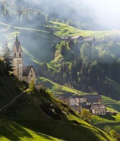 Dolomiti, Italy...have not heard of it but it looks simply magnificent!