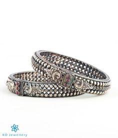 The Malhar Silver Bangle (Oxidised)