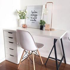 New room decor desk organizations 63 ideas Home Office Furniture, Home Office Decor, Home Decor, Office Ideas, Office Setup, Office Rug, Office Workspace, Furniture Stores, Home Office Table