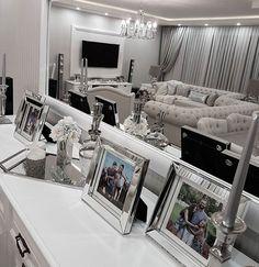 Şamdanlarım ve çerçevelerim çok soruluyor.. Her ikiside Laura Ashley den..☺️ #interior4u #interior2you #luxuryhomes #mm_interior #passion4interior #interior123 #interiør #finehjem #homesweathome #pretty_home #interiorinspo #hellinterior1 #evimevimgüzelevim #evinizdenkareler #evdekorasyonu #nordiskehjem #fashionaddict #ruyaevlerr #dekorasyonzevkim #inspirehomedeco #the_real_houses_of_ig #hem_inspiration #charminghomes #shabychic #maisonfrancaise #bestoftheday #interior9508 #hmhometurkey…