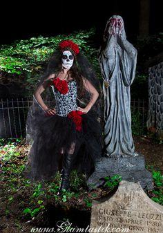 Tamaño personalizado rojo blanco y negro calaveras y baile