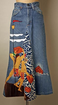 This is a denim skirt designed by Serendipity skirt was designed in The embroidery and design on this dress were common on denim in the Diy Maxi Skirt, Denim Skirt, Denim Ideas, Denim Crafts, Recycle Jeans, Jeans Rock, Old Jeans, Recycled Denim, Denim Outfit
