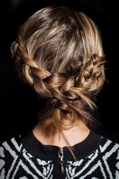 Is this one of the most perfectly plaited 'dos you've seen, or what?