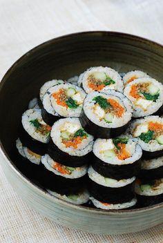 Tofu Gimbap - sushi-esque recipes - - My list of the most healthy food recipes Gimbap Recipe, Vegan Korean Food, Vegan Recipes Korean, Best Korean Food, Korean Street Food, Asian Recipes, Healthy Recipes, Asian Desserts, Healthy Food