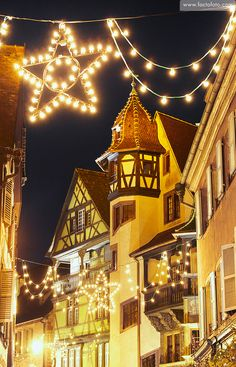 Maison Pfister German Reinaissance with Christmas lights at night. Colmar. Wine route. Haut-Rhin. Alsace. France